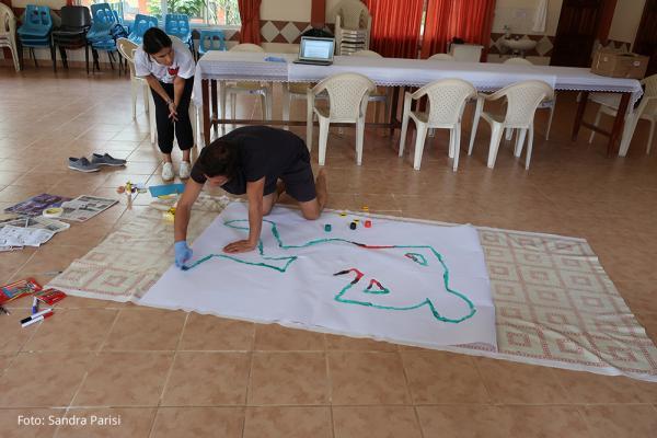 Das Leben mit Chagas beeinflusst die Selbstwahrnehmung von Menschen. Sich selbst zu malen ist eine Möglichkeit dies aufzuzeigen. / DAHW