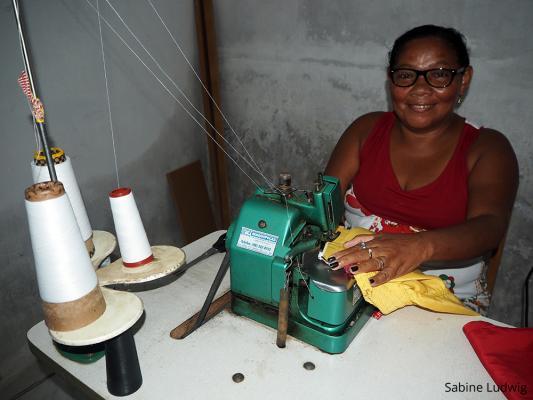 Die DAHW hilft auch erwachsenen einen Beruf zu lernen und damit Geld zu verdienen / DAHW
